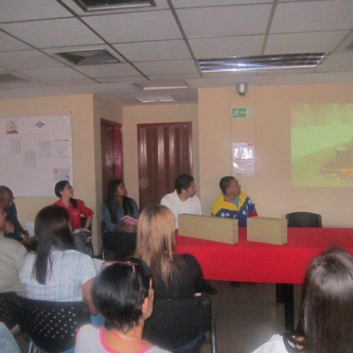 Trabajadores y trabajadoras de FI27F intercambian ideas durante 2do encuentro