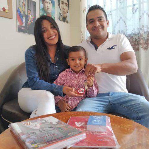 De la mano del presidente Nicolás Maduro la GMVV continúa brindando felicidad