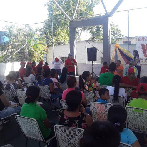 INTU otorga documentos de propiedad a  familias venezolanas